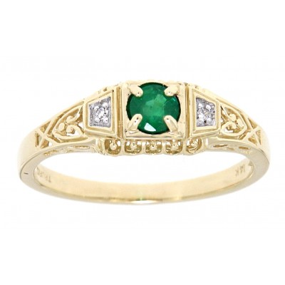 Natural Emerald Art Deco Style 14kt Yellow Gold Filigree Ring w/ 2 Diamonds